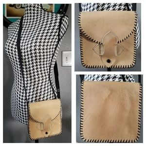 Cute VTG Leather Crossbody Bag